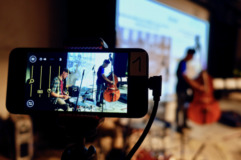 Noch ein iPod dient als 3. Kamera für die Liveproduktion
